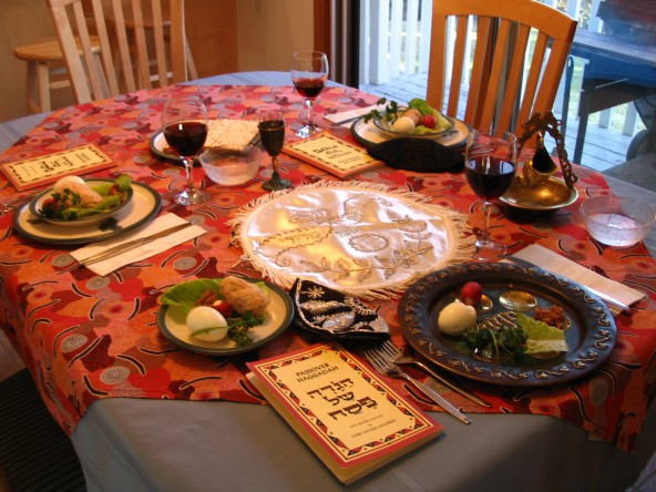 Seder_table_setting